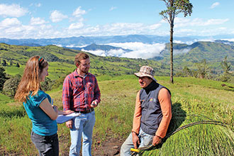 Corinna Clements and Austin Larrowe spent the summer in Ecuador interviewing farmers about practices that can help protect the environment and boost profits.