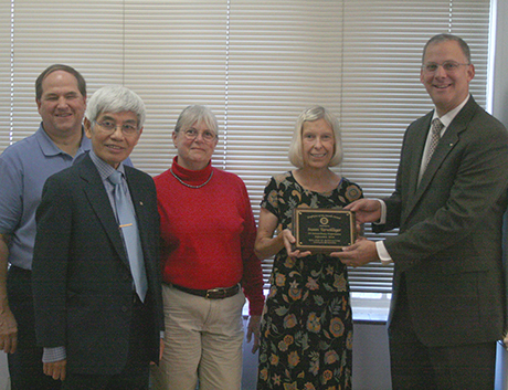 Susan Terwilliger accepting her award alongside Mike Weaver, L.T. Kok, Pat Hipkins, and Dean Alan Grant